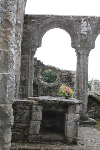 Ruine de la chapelle Languidou à Plovan (2)