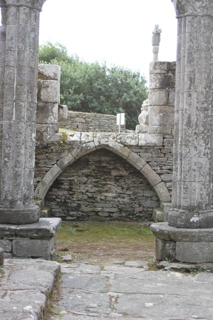 Ruine de la chapelle Languidou à Plovan (3)