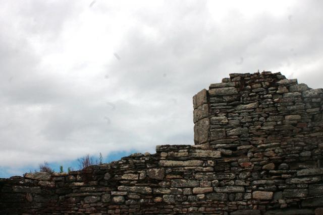 Ruine de la chapelle Languidou à Plovan (31)