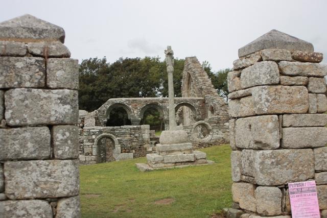 Ruine de la chapelle Languidou à Plovan (33)