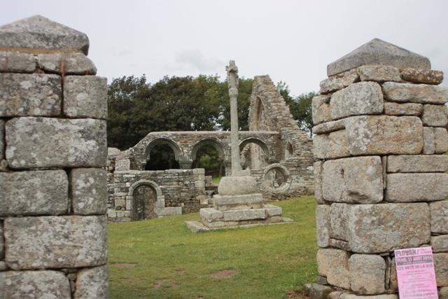 Ruine de la chapelle Languidou à Plovan (34)