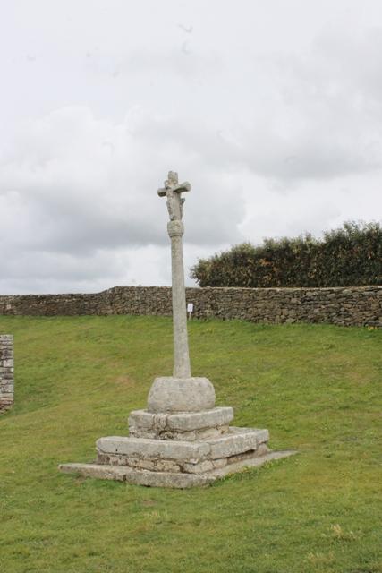 Ruine de la chapelle Languidou à Plovan (36)