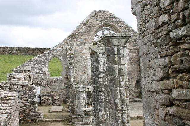 Ruine de la chapelle Languidou à Plovan (41)