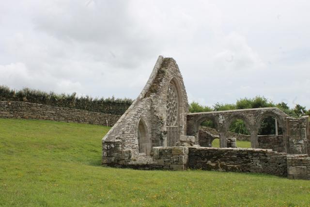 Ruine de la chapelle Languidou à Plovan (46)