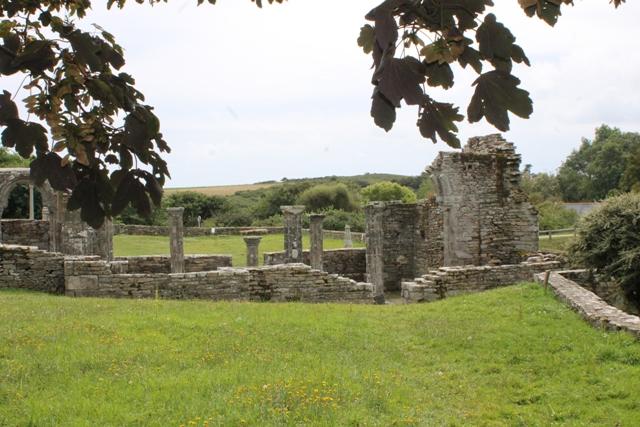 Ruine de la chapelle Languidou à Plovan (48)