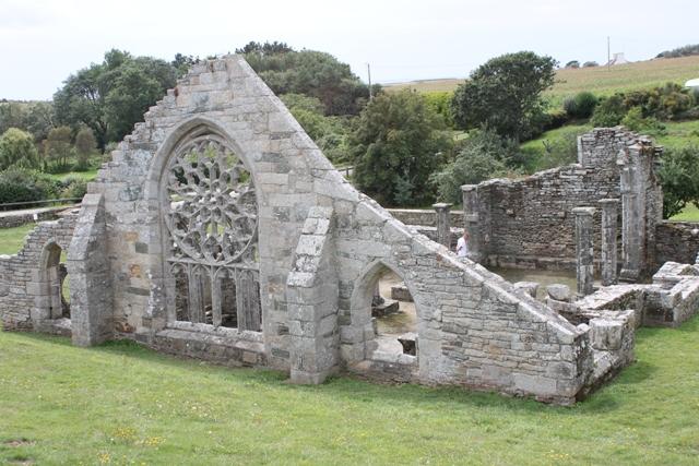 Ruine de la chapelle Languidou à Plovan (54)