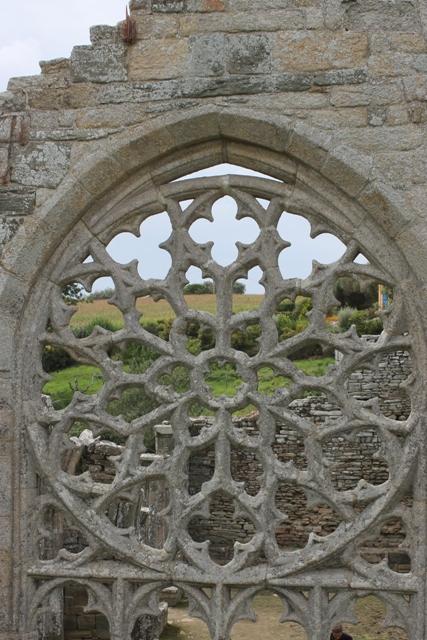 Ruine de la chapelle Languidou à Plovan (56)